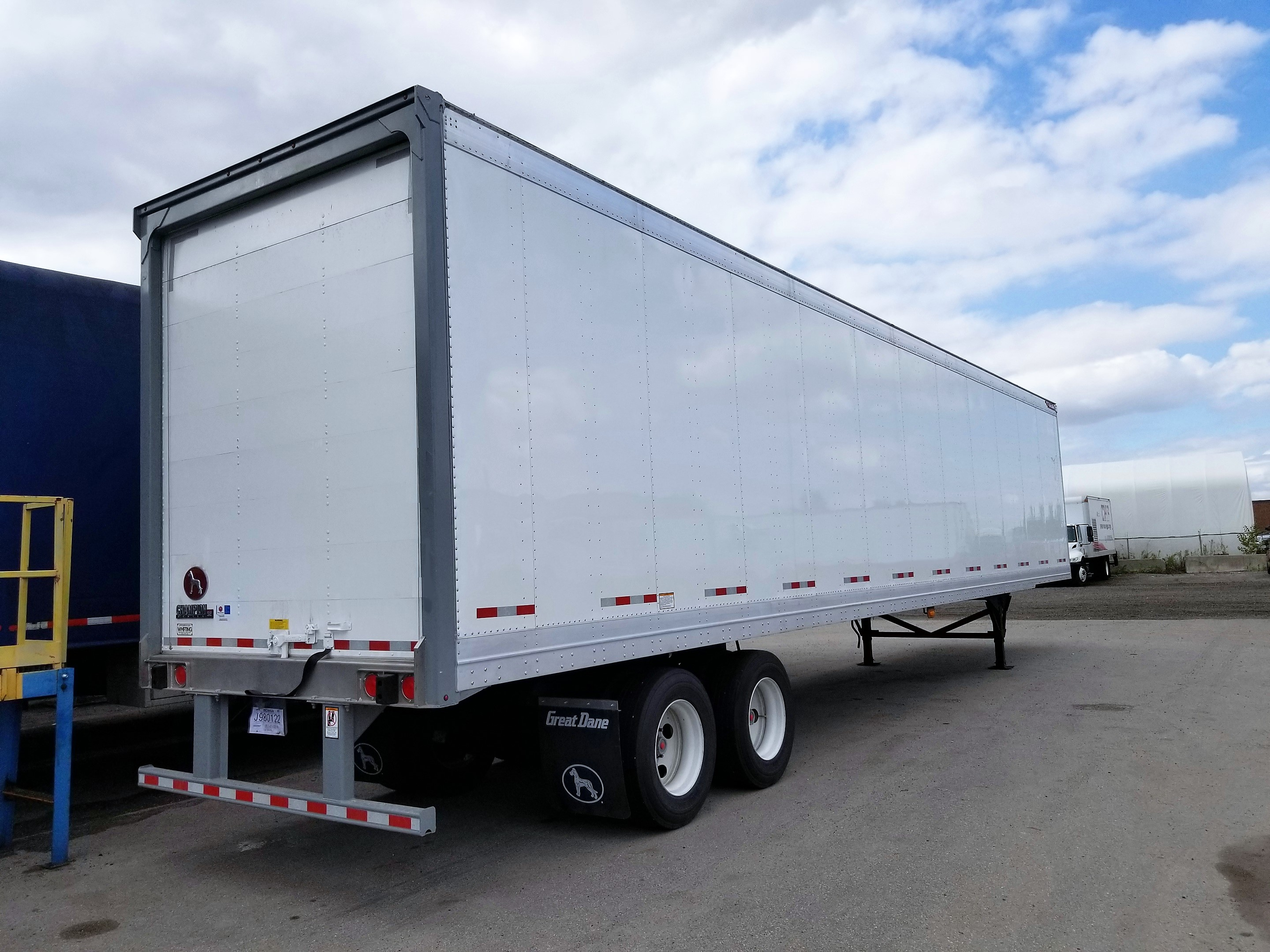 NEW GREAT DANE CHAMPION SE 48' AND 53' LOGISTIC ROLL UP DOOR TANDEM AXLE VAN TRAILERS