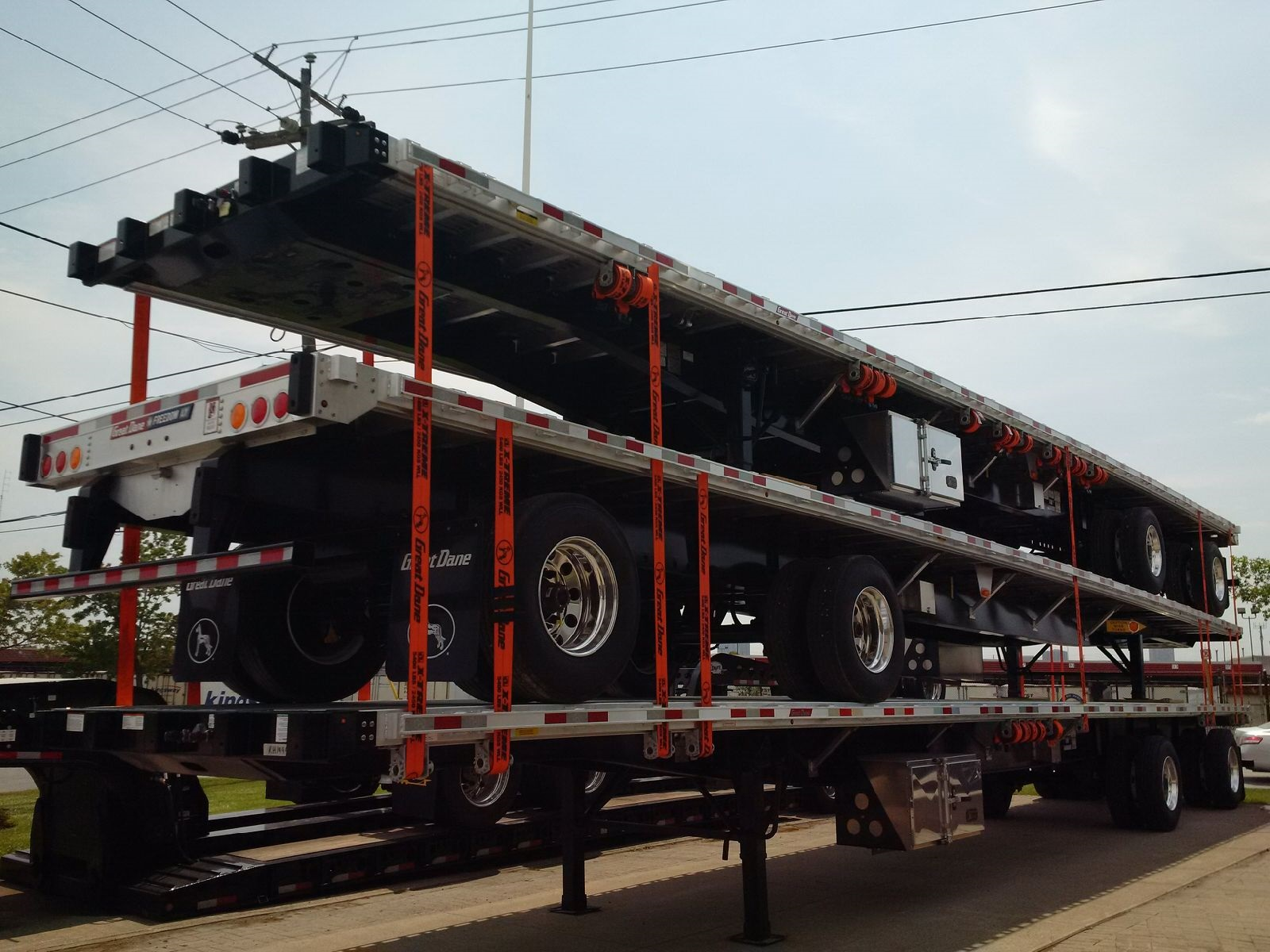 NEW GREAT DANE FREEDOM LT 53' COMBO TANDEM FLATBED TRAILERS WITH OPTIONAL VERDUYN EAGLE SLIDE KIT